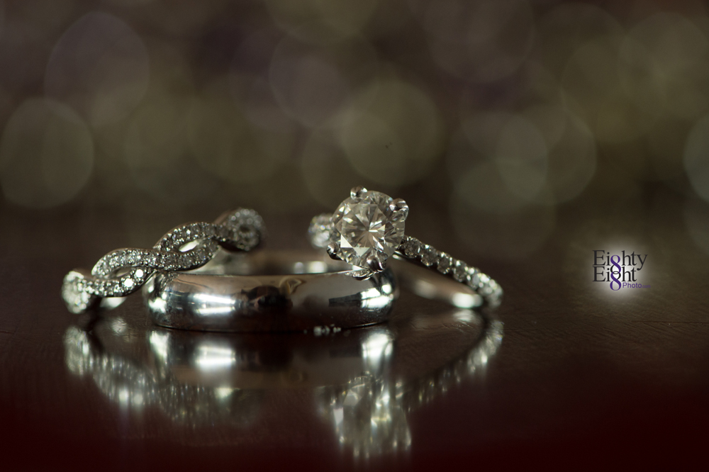 Eighty-Eight-Photo-Photographer-Photography-Aurora-Ohio-Barrington-Golf-Club-Wedding-Outdoor-Ceremony-Bride-Groom-Unique-Wedding-Party-1