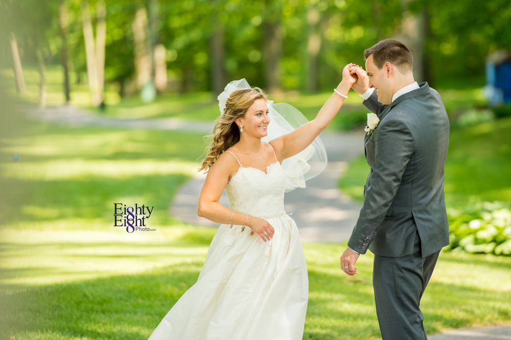 Eighty-Eight-Photo-Photographer-Photography-Aurora-Ohio-Barrington-Golf-Club-Wedding-Outdoor-Ceremony-Bride-Groom-Unique-Wedding-Party-36