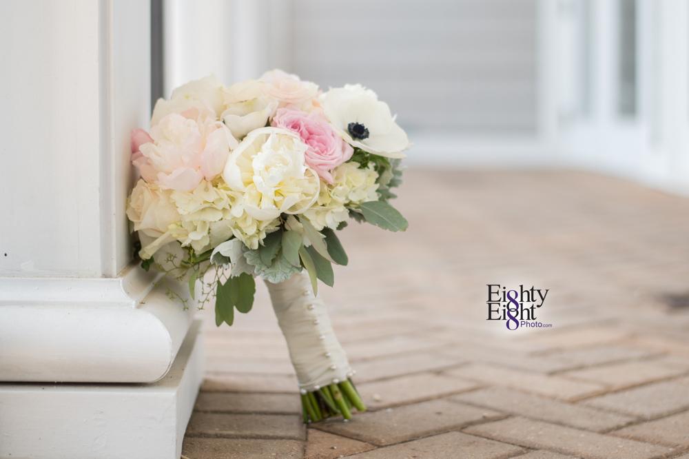 Eighty-Eight-Photo-Photographer-Photography-Aurora-Ohio-Barrington-Golf-Club-Wedding-Outdoor-Ceremony-Bride-Groom-Unique-Wedding-Party-4