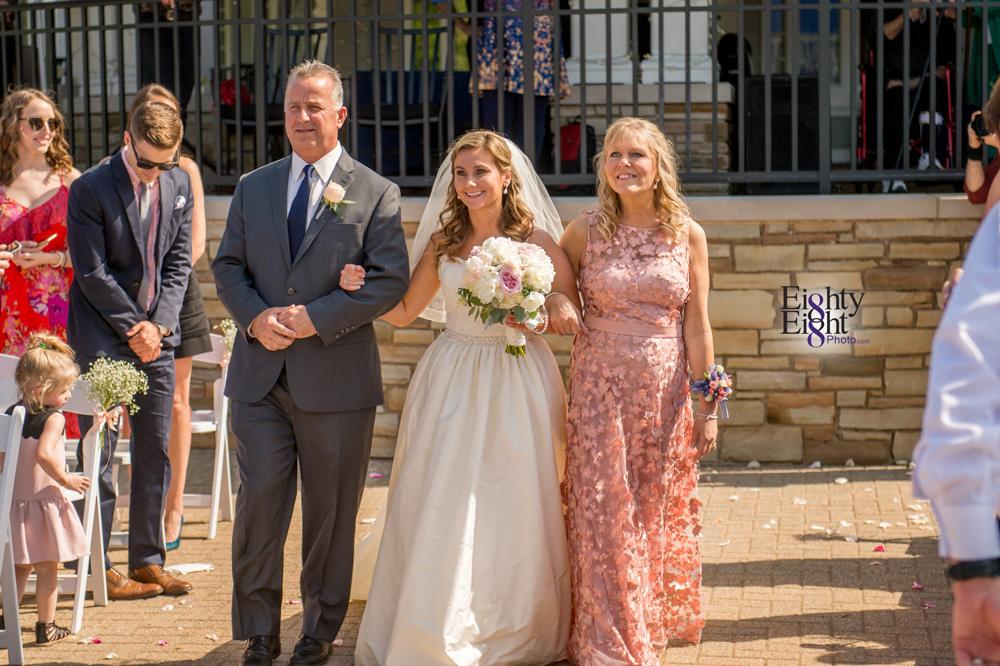 Eighty-Eight-Photo-Photographer-Photography-Aurora-Ohio-Barrington-Golf-Club-Wedding-Outdoor-Ceremony-Bride-Groom-Unique-Wedding-Party-42