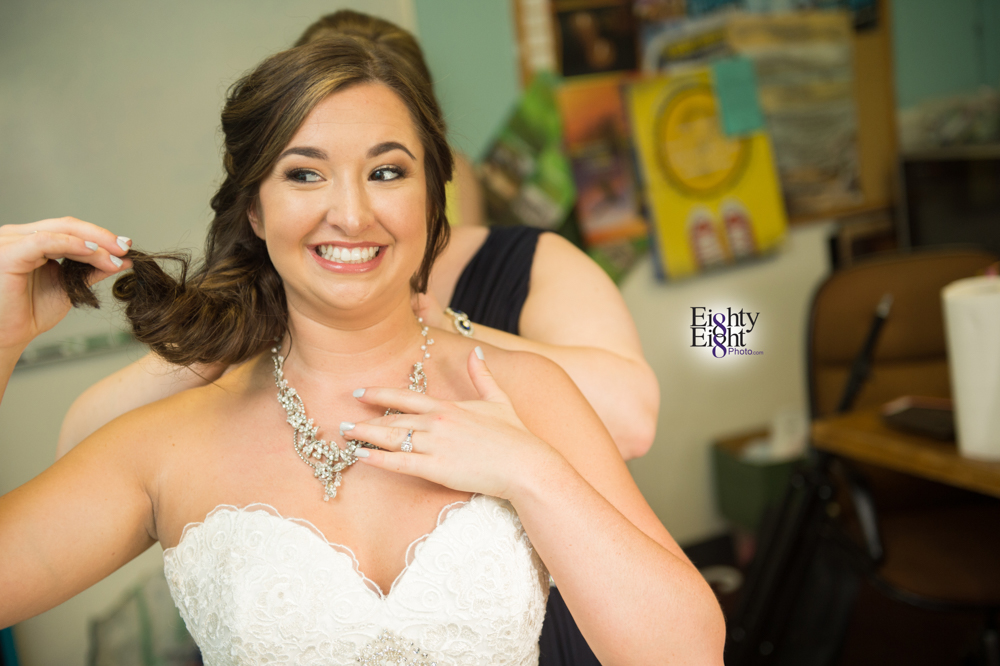 Eighty-Eight-Photo-Photographer-Photography-Chenoweth-Golf-Course-Akron-Wedding-Bride-Groom-Elegant-16