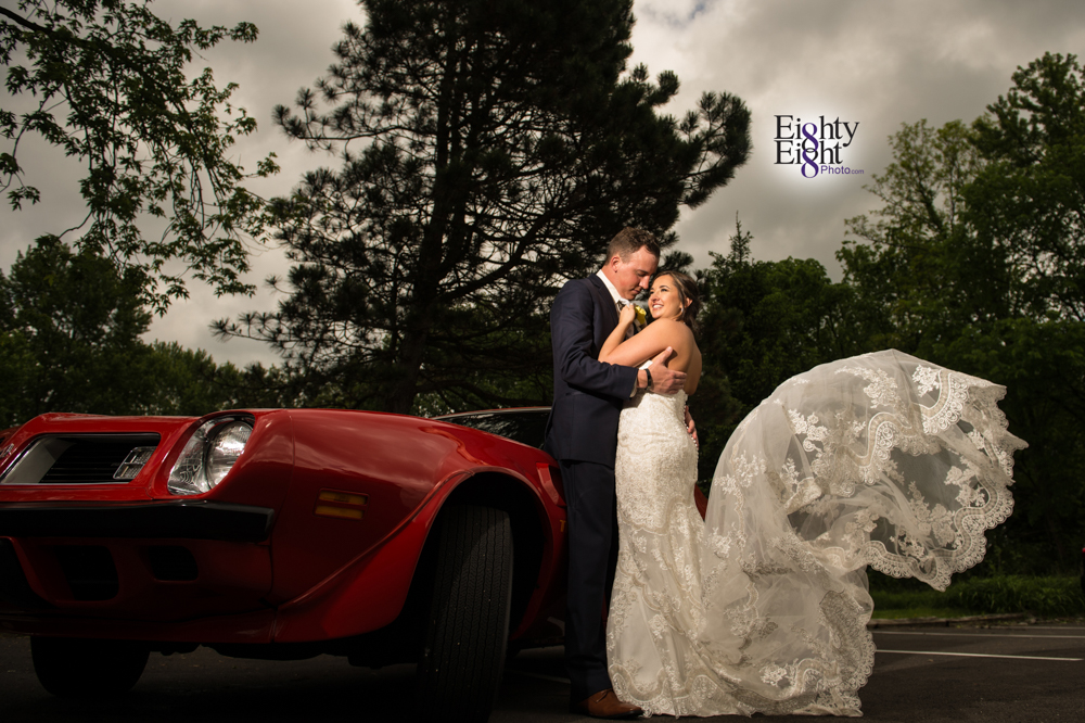 Eighty-Eight-Photo-Photographer-Photography-Chenoweth-Golf-Course-Akron-Wedding-Bride-Groom-Elegant-30