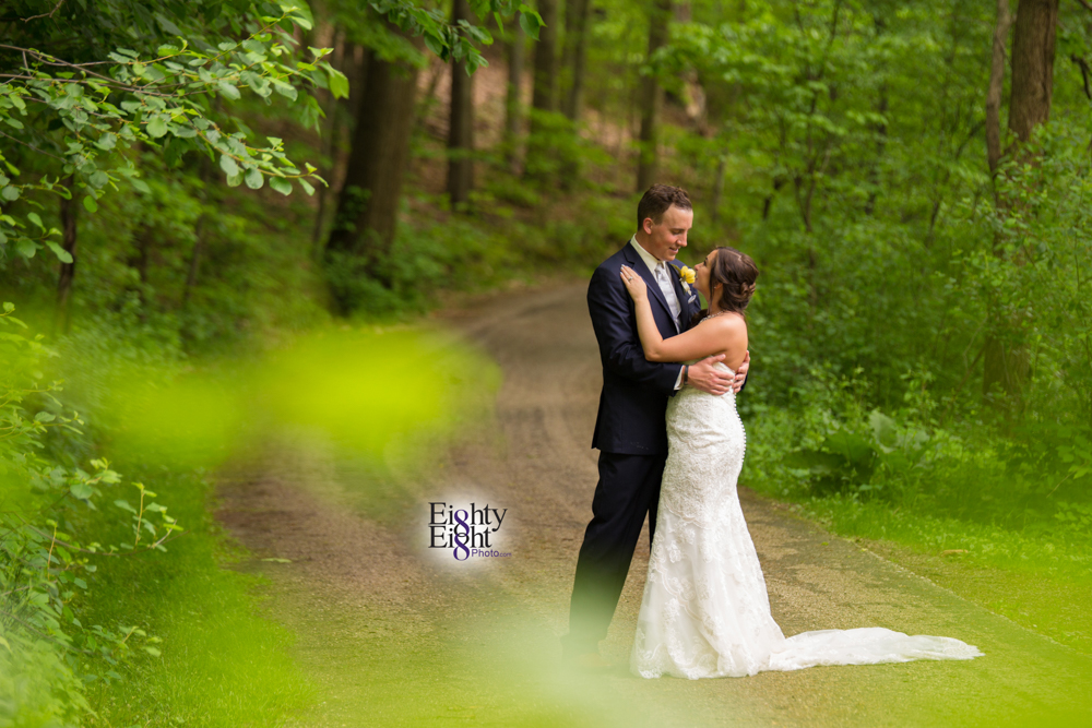 Eighty-Eight-Photo-Photographer-Photography-Chenoweth-Golf-Course-Akron-Wedding-Bride-Groom-Elegant-44
