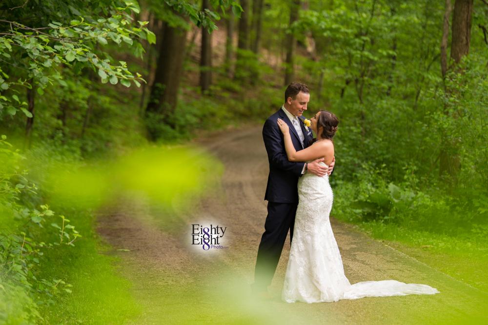 Eighty-Eight-Photo-Photographer-Photography-Chenoweth-Golf-Course-Akron-Wedding-Bride-Groom-Elegant-44