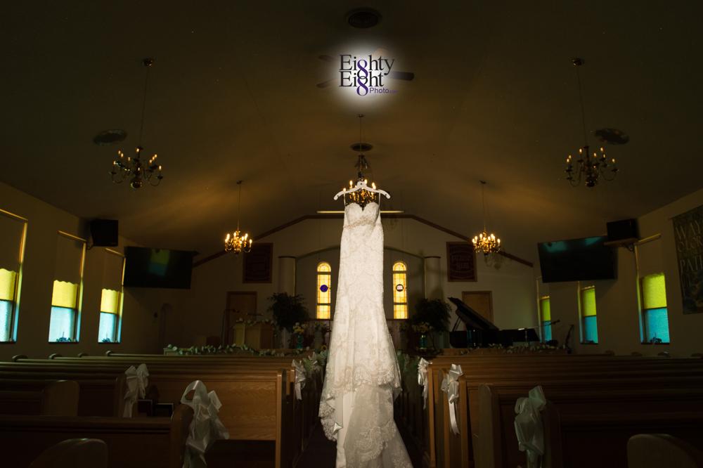Eighty-Eight-Photo-Photographer-Photography-Chenoweth-Golf-Course-Akron-Wedding-Bride-Groom-Elegant-5