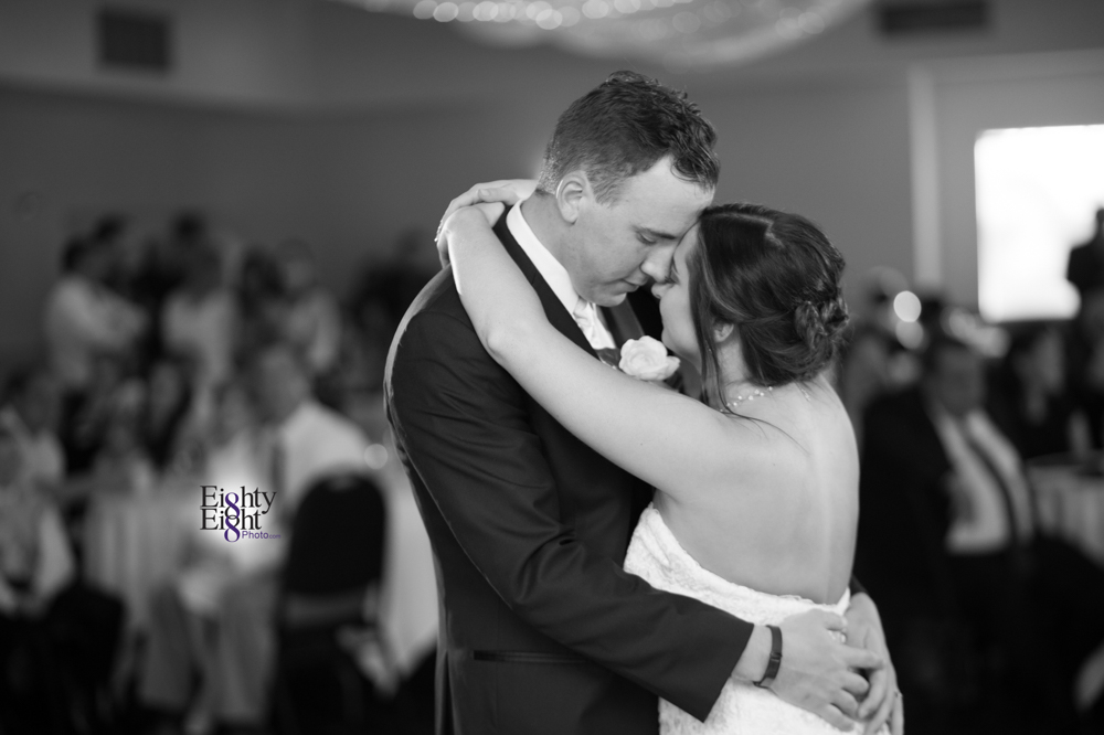 Eighty-Eight-Photo-Photographer-Photography-Chenoweth-Golf-Course-Akron-Wedding-Bride-Groom-Elegant-61