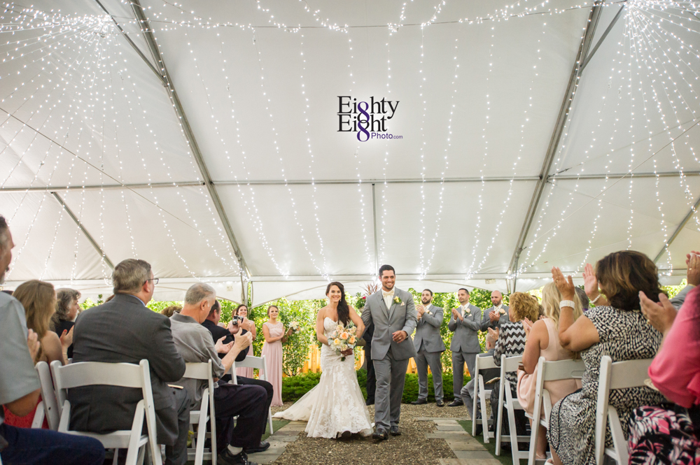 Eighty-Eight-Photo-Photographer-Photography-Ohio-Thorn-Creek-Winery-Wedding-Bride-Groom-Unique-Wedding-Party-Outdoor-Aurora-Beautiful-37