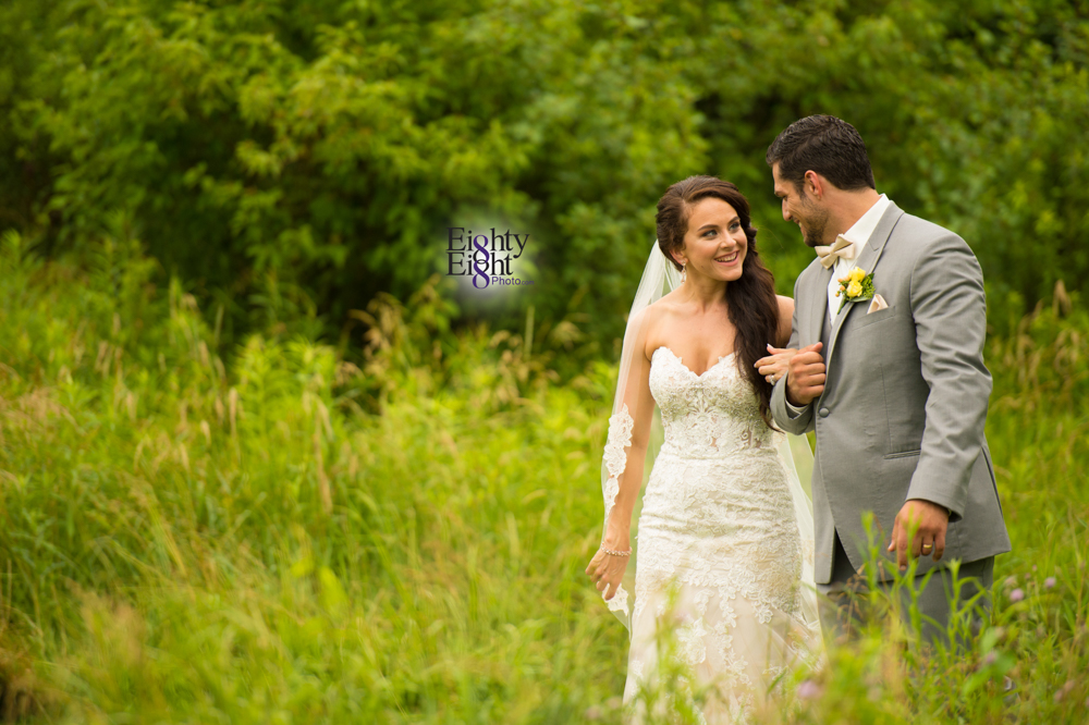 Eighty-Eight-Photo-Photographer-Photography-Ohio-Thorn-Creek-Winery-Wedding-Bride-Groom-Unique-Wedding-Party-Outdoor-Aurora-Beautiful-50