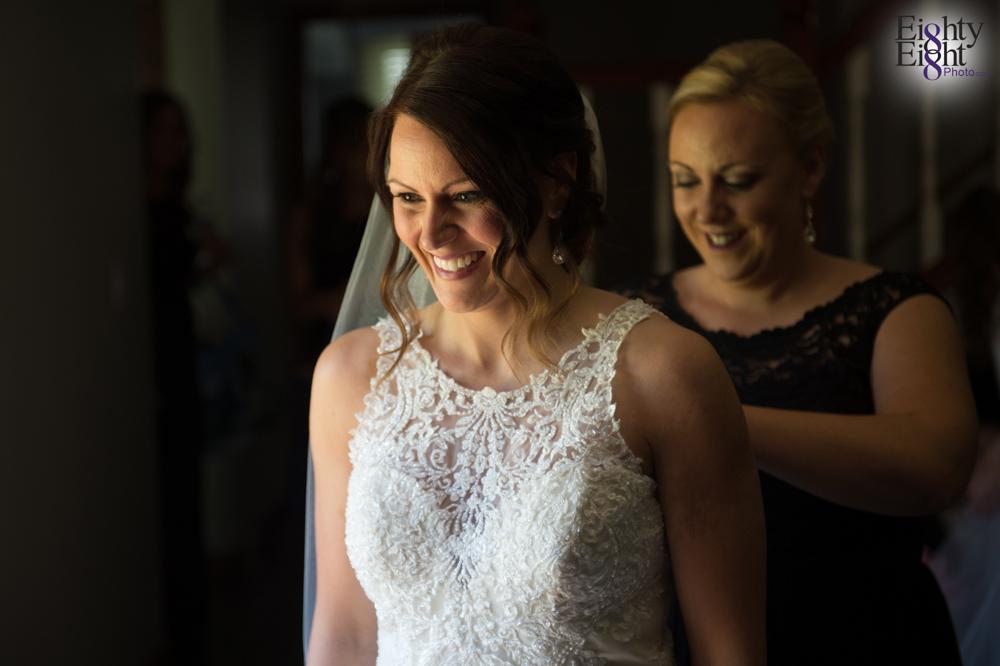 Eighty-Eight-Photo-Wedding-Photography-Cleveland-Photographer-Reception-Ceremony-Aherns-Ahern-Inn-Avon-Ohio-Severance-Hall-Wade-Lagoon-Cleveland-Art-Museum-11