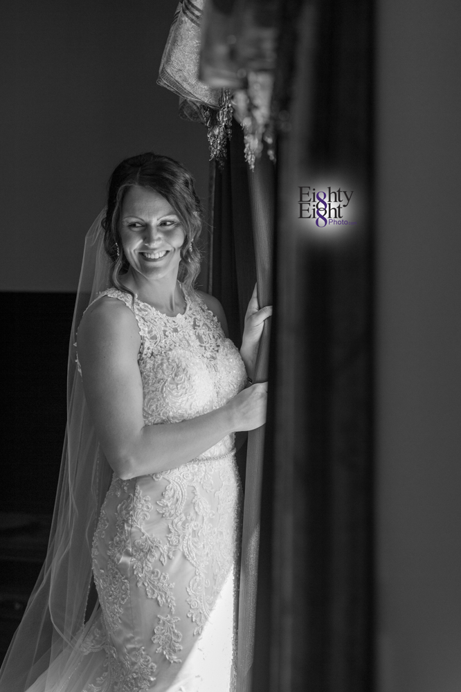 Eighty-Eight-Photo-Wedding-Photography-Cleveland-Photographer-Reception-Ceremony-Aherns-Ahern-Inn-Avon-Ohio-Severance-Hall-Wade-Lagoon-Cleveland-Art-Museum-14