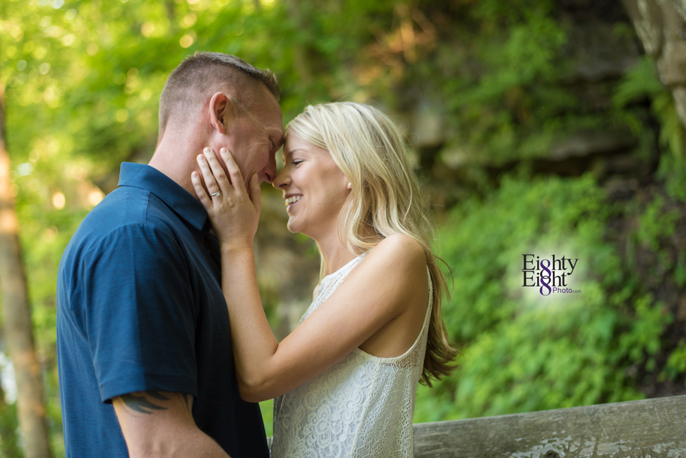 Eighty-Eight-Photo-wedding-photography-photographer-brandywine-falls-outdoor-engagement-session-Cleveland-Photographer-waterfall-10