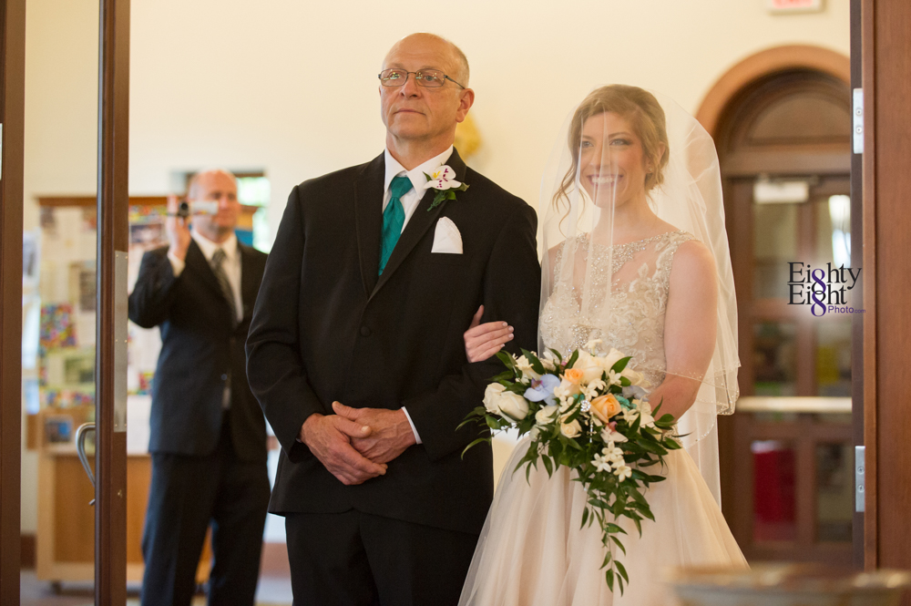 Eighty-Eight-Photo-Photographer-Photography-Ohio-700-Beta-Squires-Castle-Bride-Groom-Unique-Beautiful-15