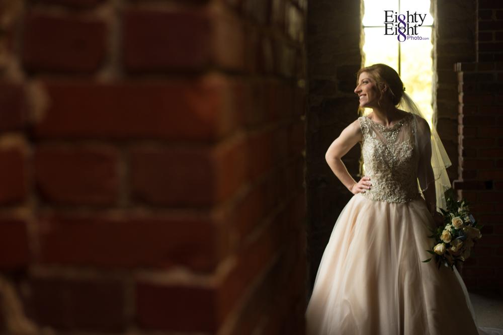 Eighty-Eight-Photo-Photographer-Photography-Ohio-700-Beta-Squires-Castle-Bride-Groom-Unique-Beautiful-47