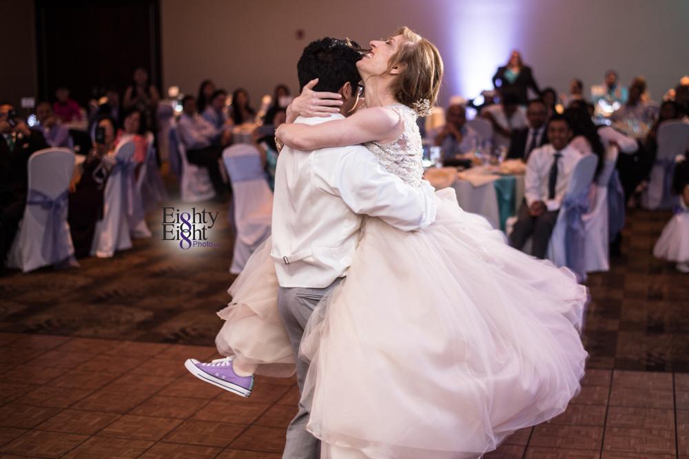 Eighty-Eight-Photo-Photographer-Photography-Ohio-700-Beta-Squires-Castle-Bride-Groom-Unique-Beautiful-59