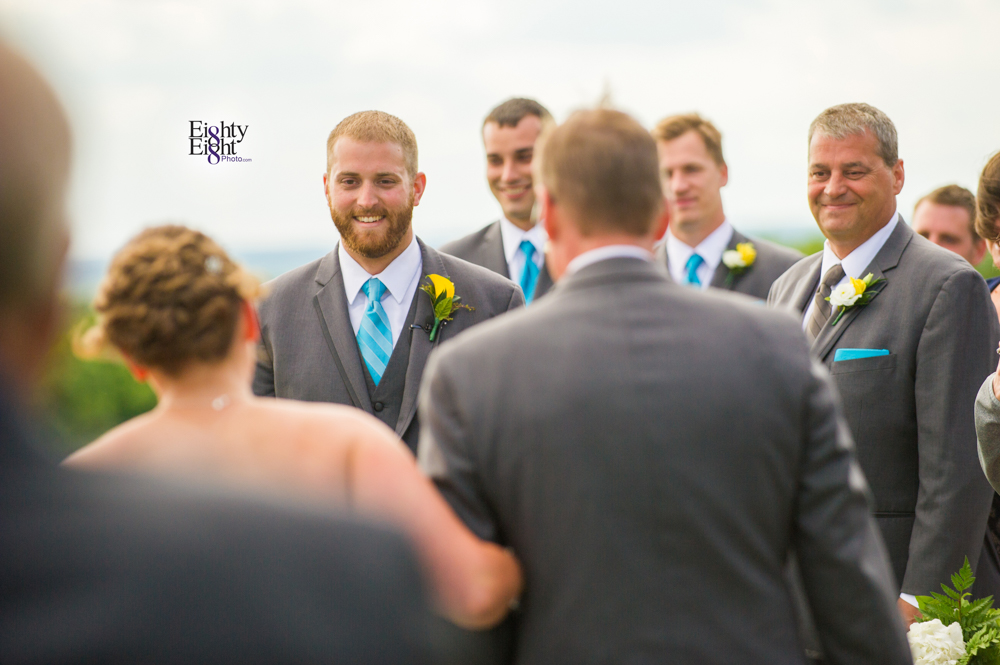 Eighty-Eight-Photo-Photographer-Photography-Ohio-Mapleside-Farms-Bride-Groom-Unique-Beautiful-Brunswick-Farm-21