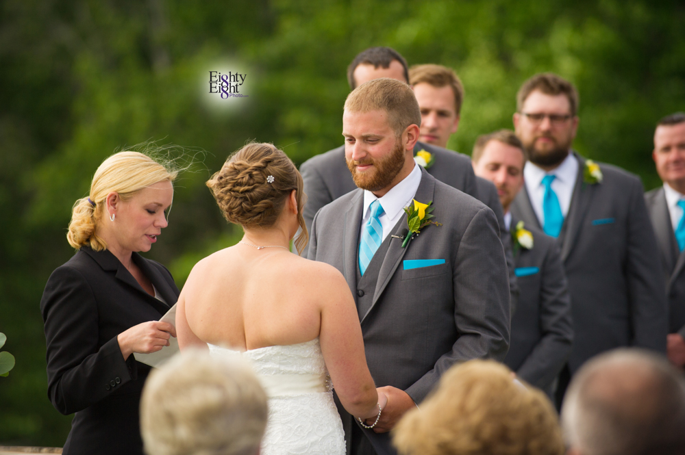 Eighty-Eight-Photo-Photographer-Photography-Ohio-Mapleside-Farms-Bride-Groom-Unique-Beautiful-Brunswick-Farm-23