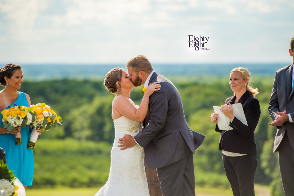 Eighty-Eight-Photo-Photographer-Photography-Ohio-Mapleside-Farms-Bride-Groom-Unique-Beautiful-Brunswick-Farm-26