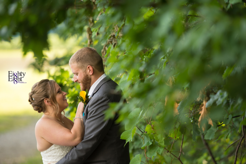 Eighty-Eight-Photo-Photographer-Photography-Ohio-Mapleside-Farms-Bride-Groom-Unique-Beautiful-Brunswick-Farm-36