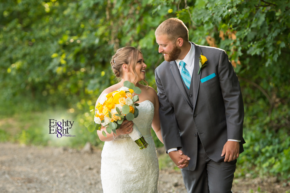 Eighty-Eight-Photo-Photographer-Photography-Ohio-Mapleside-Farms-Bride-Groom-Unique-Beautiful-Brunswick-Farm-37