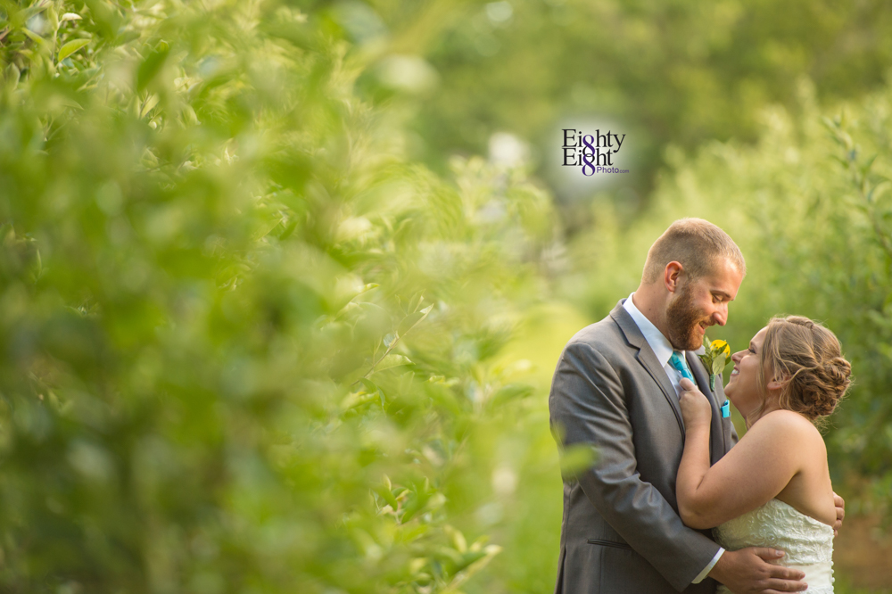 Eighty-Eight-Photo-Photographer-Photography-Ohio-Mapleside-Farms-Bride-Groom-Unique-Beautiful-Brunswick-Farm-39