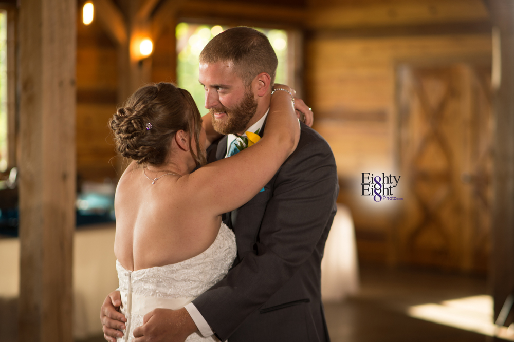 Eighty-Eight-Photo-Photographer-Photography-Ohio-Mapleside-Farms-Bride-Groom-Unique-Beautiful-Brunswick-Farm-43