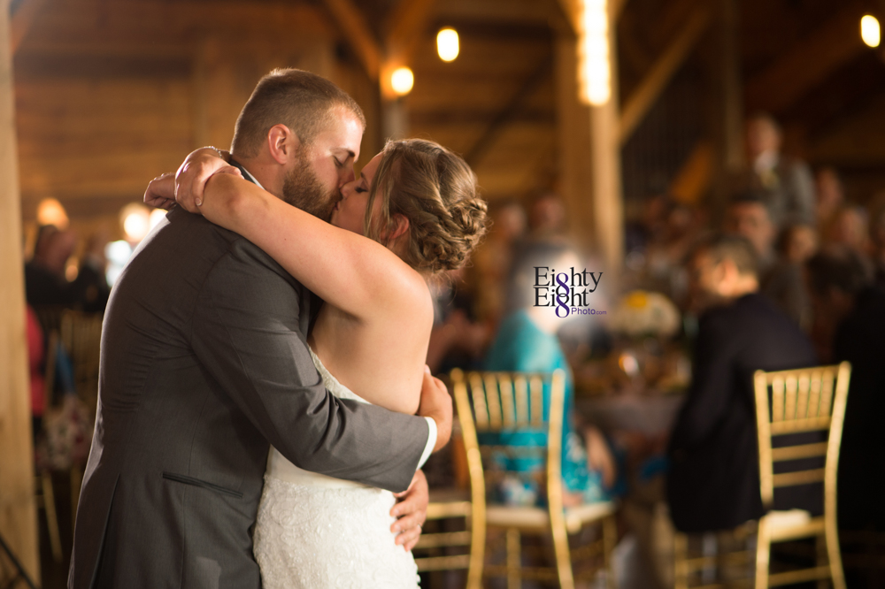 Eighty-Eight-Photo-Photographer-Photography-Ohio-Mapleside-Farms-Bride-Groom-Unique-Beautiful-Brunswick-Farm-44