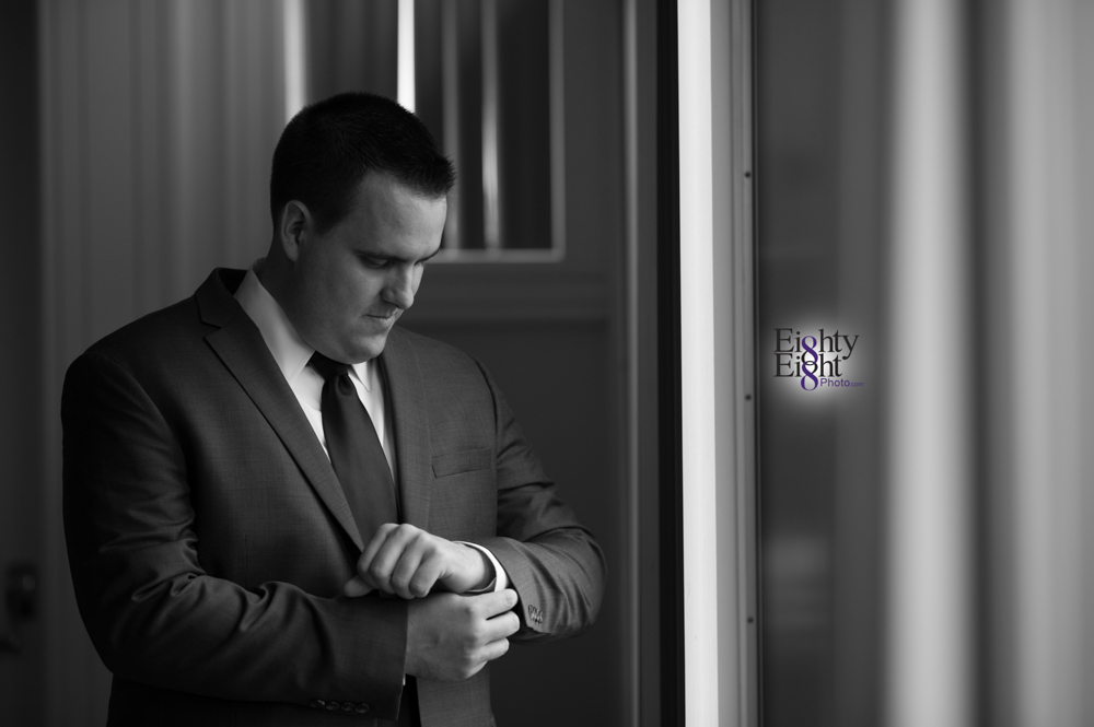 Eighty-Eight-Photo-Photographer-Photography-Aurora-Ohio-Barrington-Golf-Club-Wedding-Outdoor-Ceremony-Bride-Groom-Unique-Wedding-Party-10