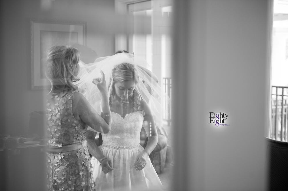 Eighty-Eight-Photo-Photographer-Photography-Aurora-Ohio-Barrington-Golf-Club-Wedding-Outdoor-Ceremony-Bride-Groom-Unique-Wedding-Party-15