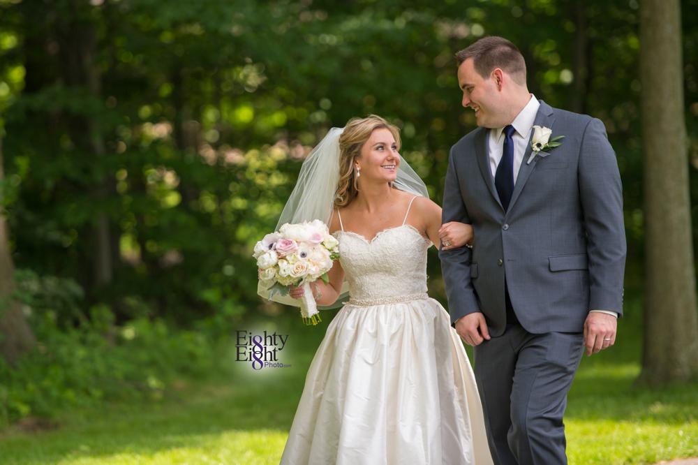 Eighty-Eight-Photo-Photographer-Photography-Aurora-Ohio-Barrington-Golf-Club-Wedding-Outdoor-Ceremony-Bride-Groom-Unique-Wedding-Party-21