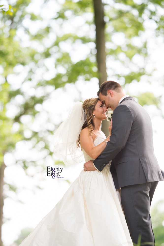Eighty-Eight-Photo-Photographer-Photography-Aurora-Ohio-Barrington-Golf-Club-Wedding-Outdoor-Ceremony-Bride-Groom-Unique-Wedding-Party-22