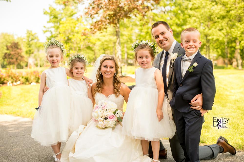 Eighty-Eight-Photo-Photographer-Photography-Aurora-Ohio-Barrington-Golf-Club-Wedding-Outdoor-Ceremony-Bride-Groom-Unique-Wedding-Party-37