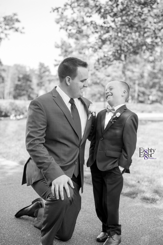 Eighty-Eight-Photo-Photographer-Photography-Aurora-Ohio-Barrington-Golf-Club-Wedding-Outdoor-Ceremony-Bride-Groom-Unique-Wedding-Party-38