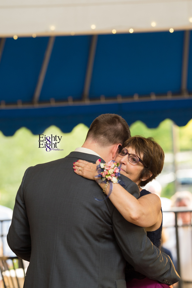 Eighty-Eight-Photo-Photographer-Photography-Aurora-Ohio-Barrington-Golf-Club-Wedding-Outdoor-Ceremony-Bride-Groom-Unique-Wedding-Party-71