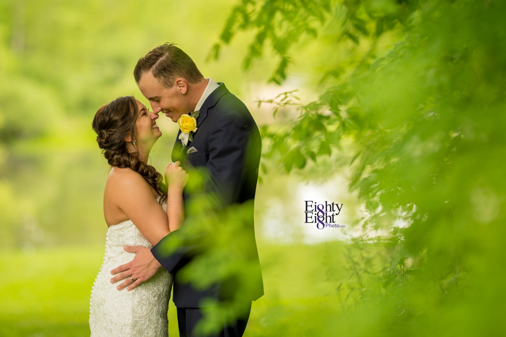 Eighty-Eight-Photo-Photographer-Photography-Chenoweth-Golf-Course-Akron-Wedding-Bride-Groom-Elegant-42