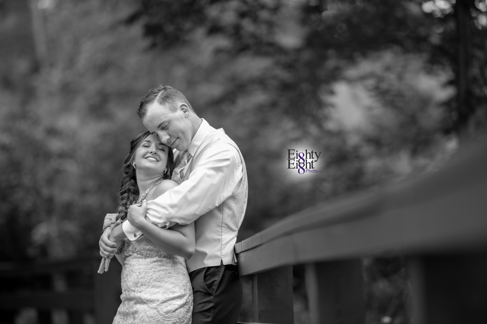 Eighty-Eight-Photo-Photographer-Photography-Chenoweth-Golf-Course-Akron-Wedding-Bride-Groom-Elegant-47