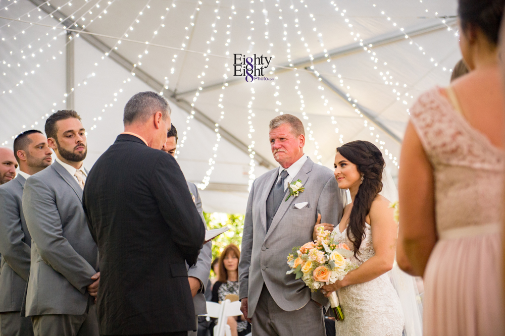 Eighty-Eight-Photo-Photographer-Photography-Ohio-Thorn-Creek-Winery-Wedding-Bride-Groom-Unique-Wedding-Party-Outdoor-Aurora-Beautiful-32