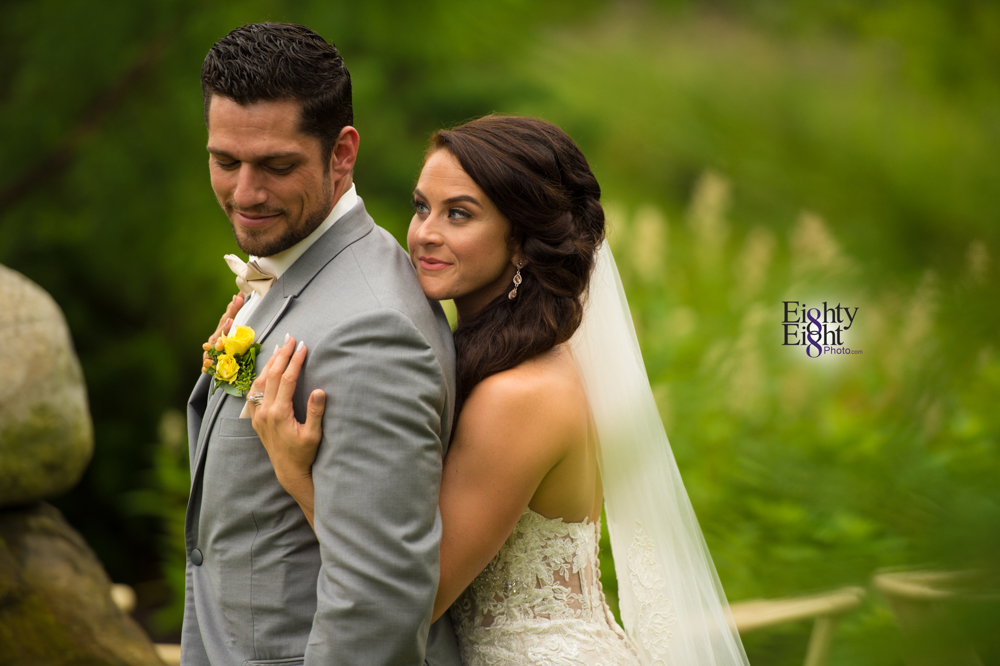 Eighty-Eight-Photo-Photographer-Photography-Ohio-Thorn-Creek-Winery-Wedding-Bride-Groom-Unique-Wedding-Party-Outdoor-Aurora-Beautiful-46
