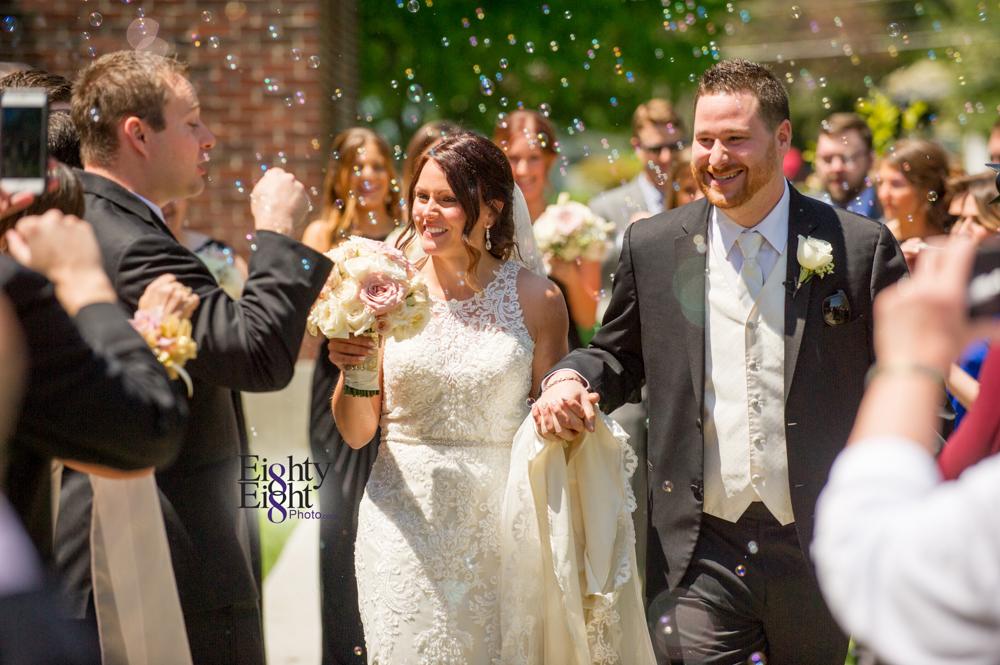 Eighty-Eight-Photo-Wedding-Photography-Cleveland-Photographer-Reception-Ceremony-Aherns-Ahern-Inn-Avon-Ohio-Severance-Hall-Wade-Lagoon-Cleveland-Art-Museum-26