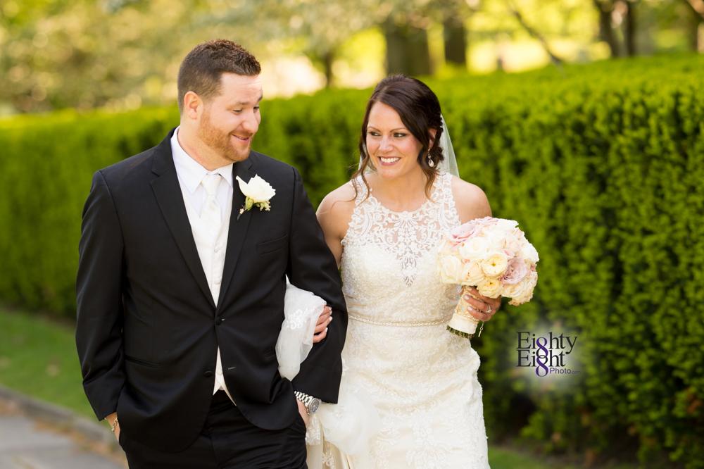 Eighty-Eight-Photo-Wedding-Photography-Cleveland-Photographer-Reception-Ceremony-Aherns-Ahern-Inn-Avon-Ohio-Severance-Hall-Wade-Lagoon-Cleveland-Art-Museum-34