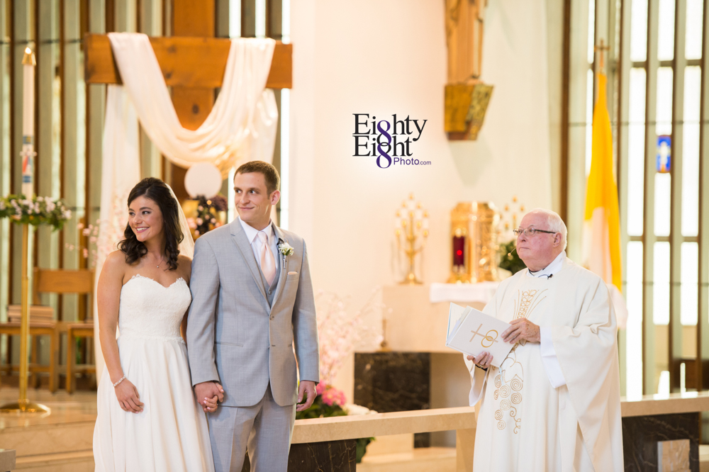 Eighty-Eight-Photo-Wedding-Photography-Cleveland-Photographer-Reception-Ceremony-The-Avalon-Country-Club-Warren-Canton-Ohio-Youngstown-19