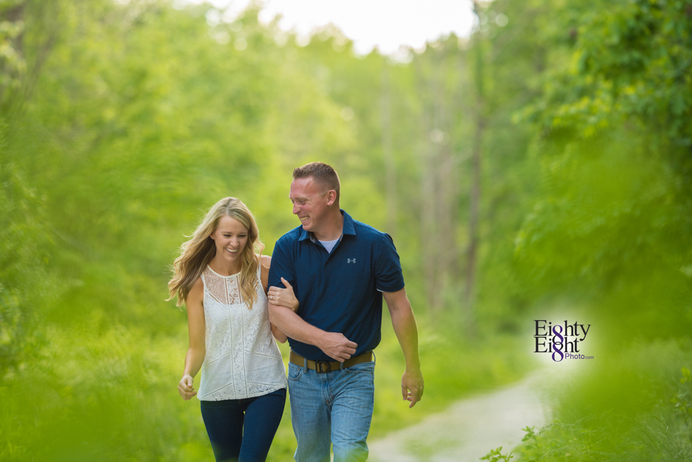 Eighty-Eight-Photo-wedding-photography-photographer-brandywine-falls-outdoor-engagement-session-Cleveland-Photographer-waterfall-1