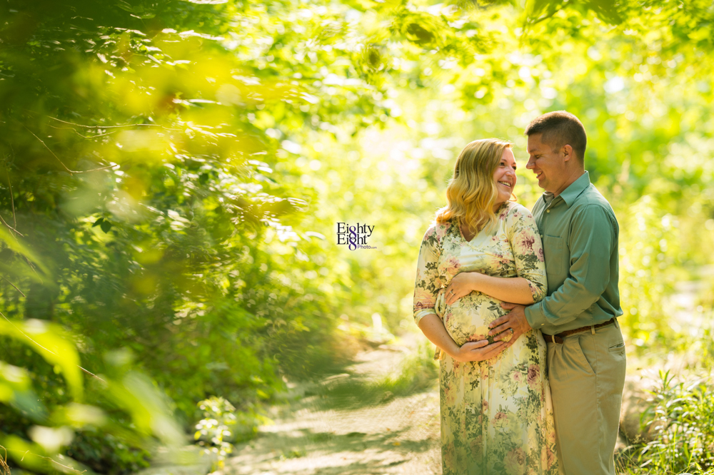 Eighty-Eight-Photo-Photographer-Photography-Brecksville-Reservation-Maternity-Unique-Beautiful-1
