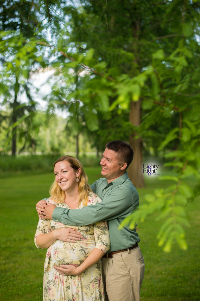 Eighty-Eight-Photo-Photographer-Photography-Brecksville-Reservation-Maternity-Unique-Beautiful-7