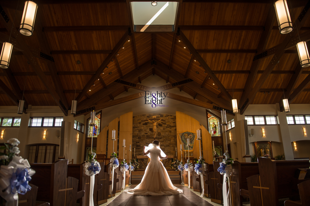 Eighty-Eight-Photo-Photographer-Photography-Ohio-700-Beta-Squires-Castle-Bride-Groom-Unique-Beautiful-30