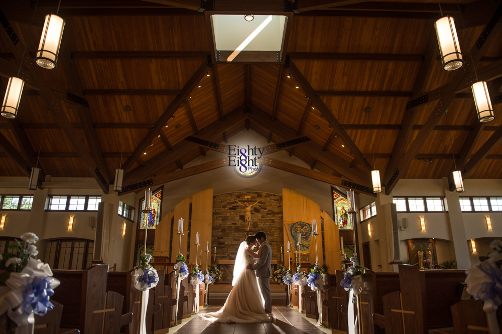 Eighty-Eight-Photo-Photographer-Photography-Ohio-700-Beta-Squires-Castle-Bride-Groom-Unique-Beautiful-31