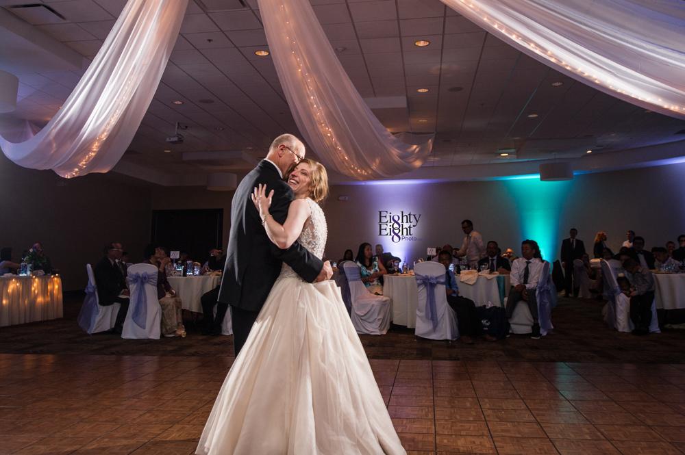 Eighty-Eight-Photo-Photographer-Photography-Ohio-700-Beta-Squires-Castle-Bride-Groom-Unique-Beautiful-63