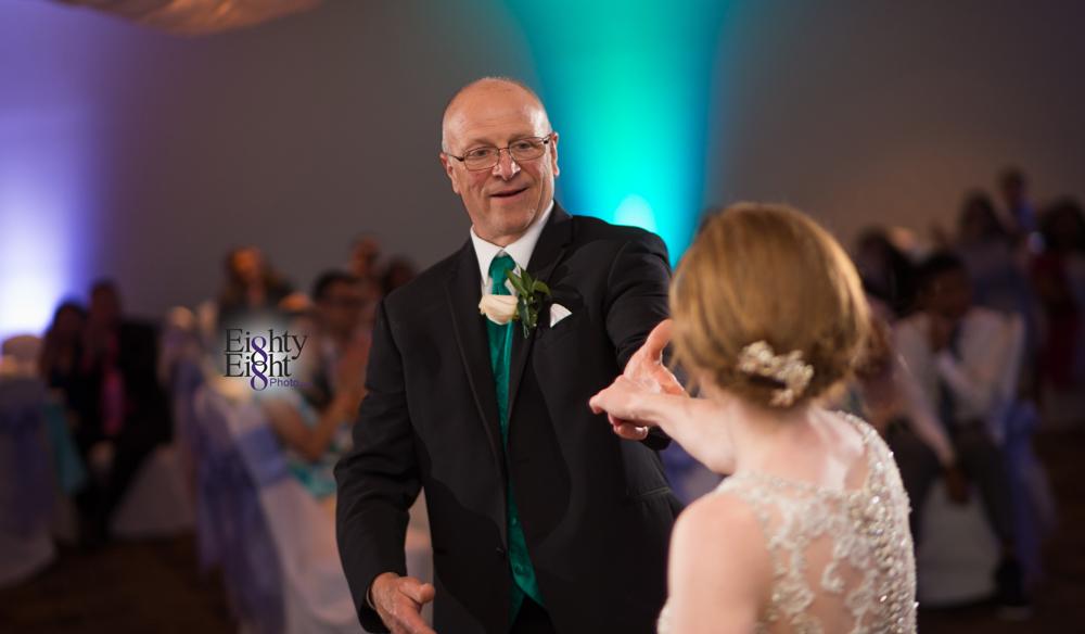 Eighty-Eight-Photo-Photographer-Photography-Ohio-700-Beta-Squires-Castle-Bride-Groom-Unique-Beautiful-64
