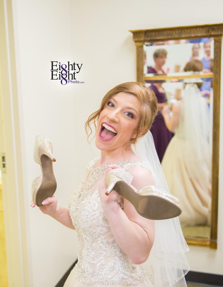 Eighty-Eight-Photo-Photographer-Photography-Ohio-700-Beta-Squires-Castle-Bride-Groom-Unique-Beautiful-8